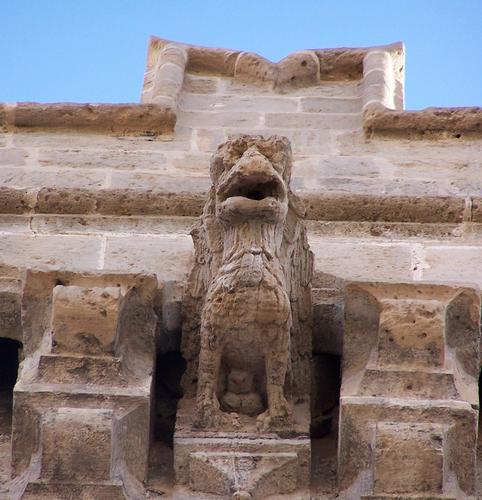 ...l'aquila, uno dei simboli della dominazione subita - Augusta (2040 clic)