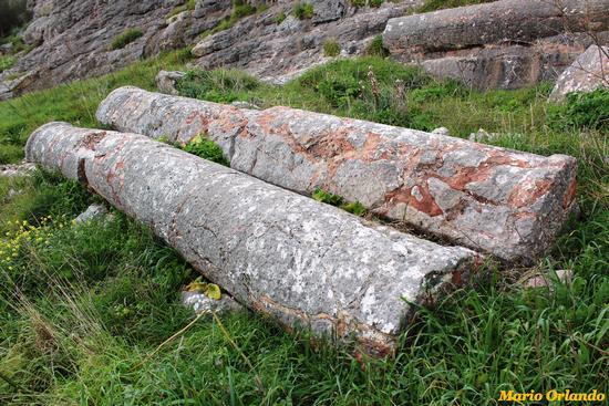 Colonne di Cicio in marmo rosso di Scalilli... - CORLEONE - inserita il 16-Jan-13