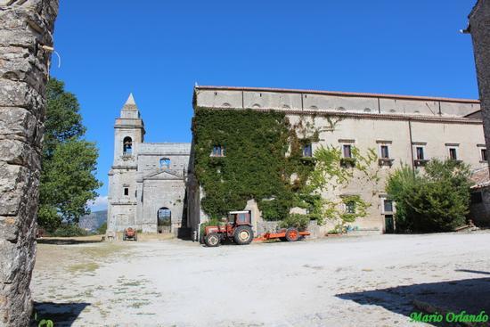 Abbazia Santa Maria del bosco . . . - Contessa entellina (1550 clic)