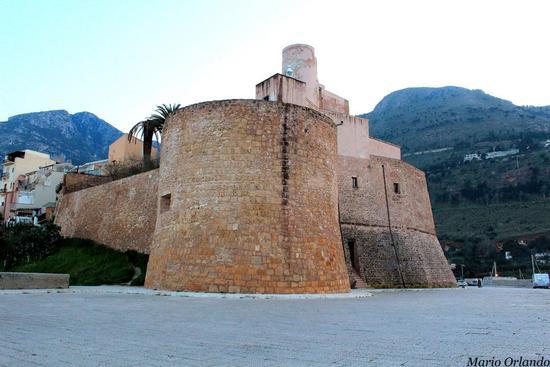 Il Fortino di Castellammare del Golfo... (2827 clic)