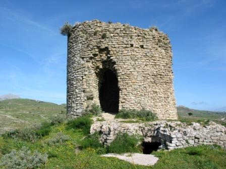 Torre di Corleone (Castello soprano) . . . (4366 clic)