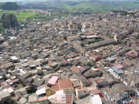 Il centro storico di Corleone ... (6007 clic)