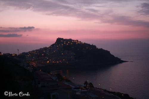 CastelSardo al Tramonto - Cagliari (4343 clic)
