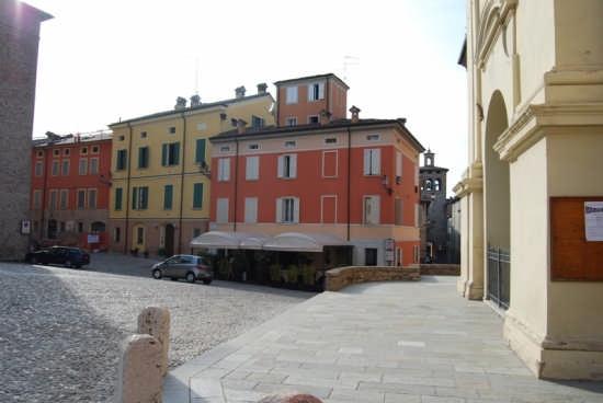 Piazza Matteo Maria Boiardo  - Scandiano (4272 clic)