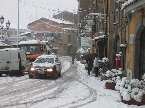 P/za Roma - Inverno 2005 - Nemi (3102 clic)