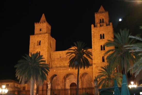 La Cattedrale - Cefalù (3016 clic)