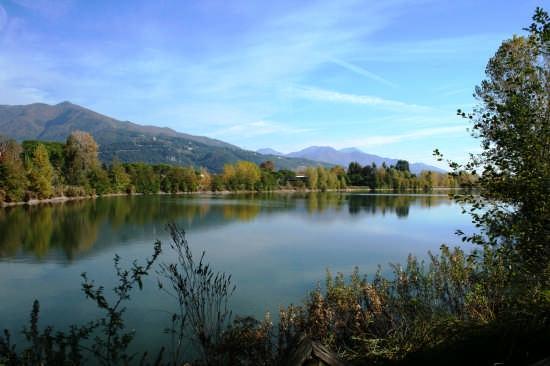Lago vicino Massa (4119 clic)