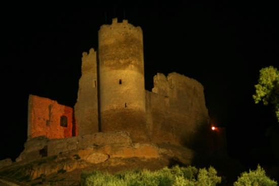 Castelvecchio detto 'U Cannuni - Mazzarino (3719 clic)
