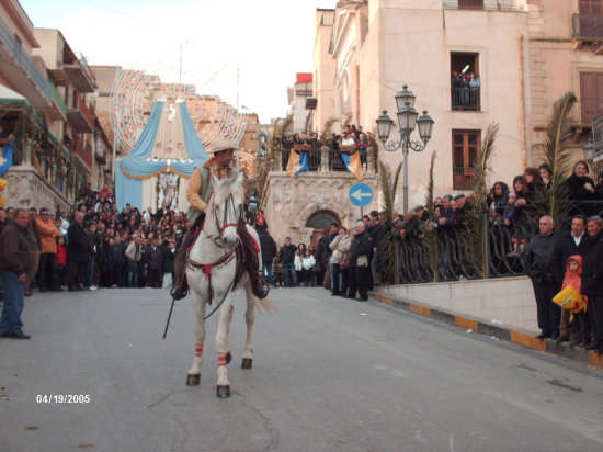 CAVALCATA  DI S. GIUSEPPE 19.03.09 - Cianciana (4609 clic)