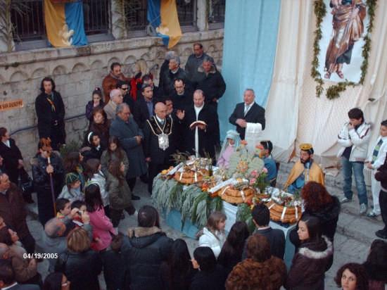 PRANZO DI S.GIUSEPPE CON LA MADONNA E GESU'  (19.03.09) - Cianciana (5726 clic)