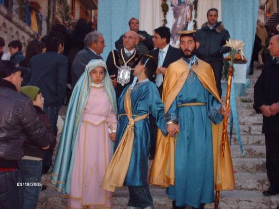 S.GIUSEPPE CON LA MADONNA E GESU'  (19.03.09) - Cianciana (5359 clic)