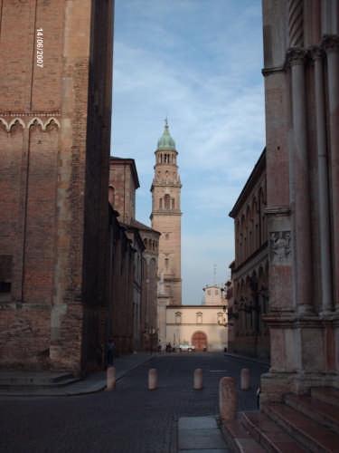 IL CAMPANILE DI S. GIOVANNI - Parma (2807 clic)