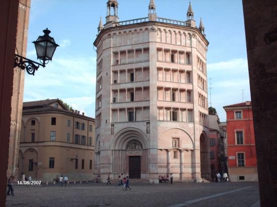 IL BATTISTERO - Parma (13666 clic)