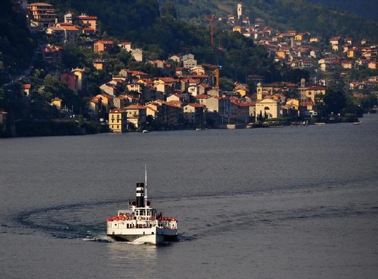 Saluti dal Lago di Como - Argegno (2730 clic)