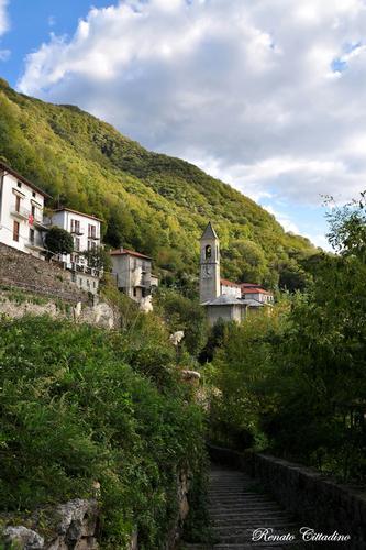 Lago di Como,scorcio di Careno - CARENO - inserita il 23-Apr-13