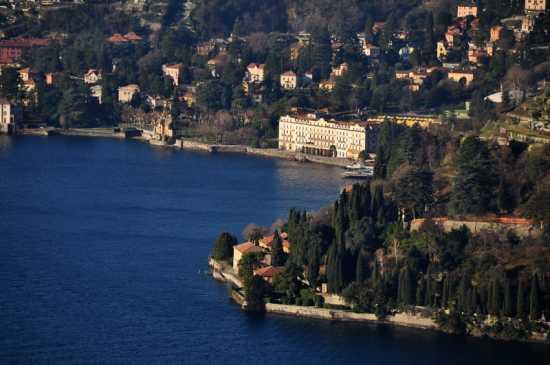 Veduta di Punta Pizzo e Villa d'Este - Cernobbio (5660 clic)
