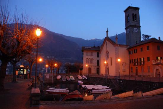 Chiesa di S.Tecla - Torno (3851 clic)