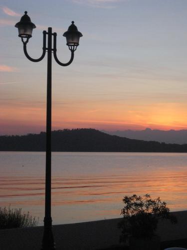 Lago di Viverone al tramonto (1927 clic)