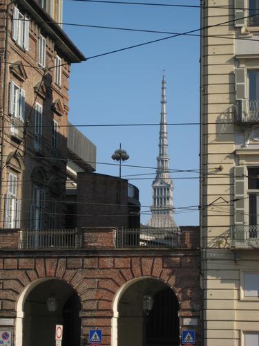 Scorcio - La Mole Antonelliana - Torino (1734 clic)