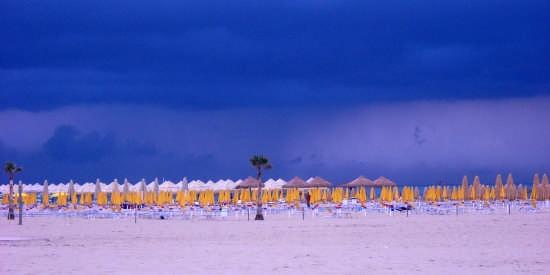 Riviera-prima di un temporale- - Pescara (3745 clic)