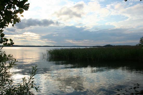 cala la notte sul lago 1 - Savona (3066 clic)