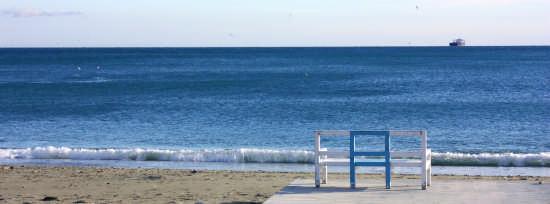 Seduti in riva al mare... - Albissola marina (3721 clic)