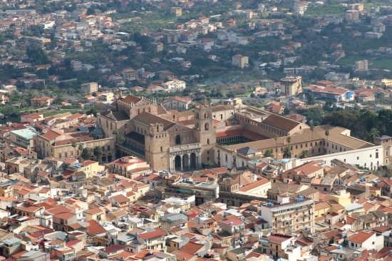 Sicilia Arabo - Normanna  fusa con il Romanico. - Monreale (5048 clic)