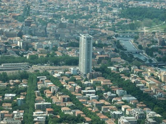 IL GRATTACELO DI RIMINI (4912 clic)