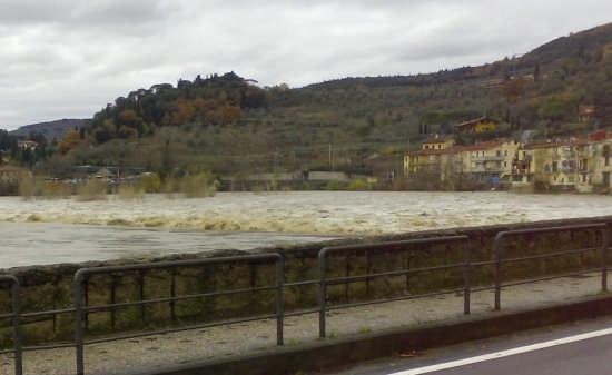 Il fiume Arno - Sieci (2134 clic)