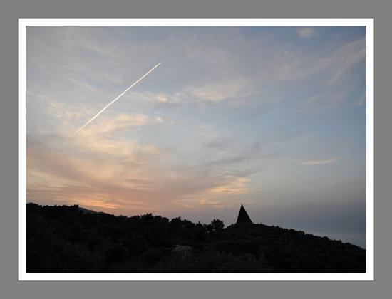La piramide della Fiumara D'arte - Motta d'affermo (2938 clic)