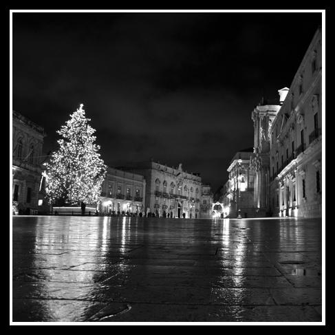 Il Duomo di notte - Siracusa (4057 clic)