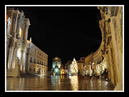 Piazza Duomo - Siracusa (9102 clic)