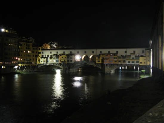 ponte vecchio in notturna - Firenze (2200 clic)