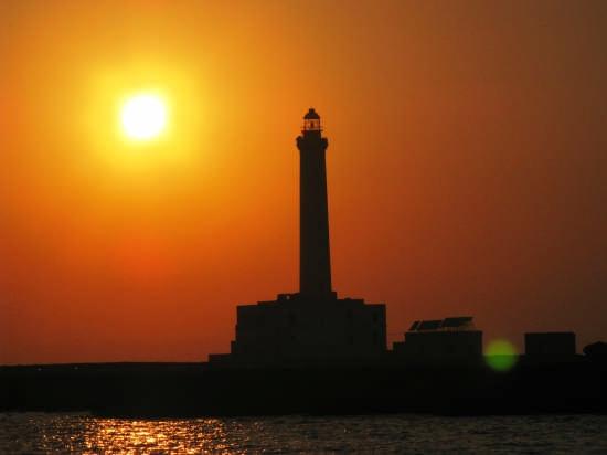 tramonto sul faro - Gallipoli (3973 clic)