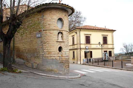 Casa Pierucci e Museo Arte degli  Scalpellini - Sant'ippolito (782 clic)