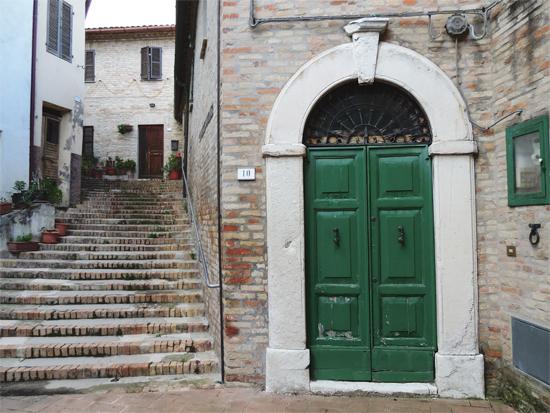 Casa a schiera sec. XIII e Portale - Cartoceto (1194 clic)