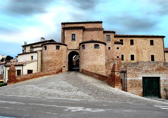 Porta Maggiore Mombaroccio (965 clic)