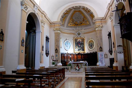 Chiesa Pietro e Paterniano (interno) Mondavio (496 clic)