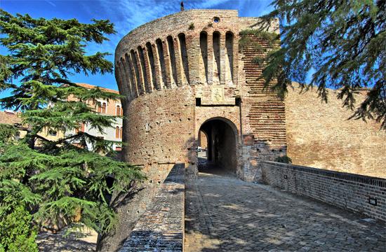 Porta Maggiore Mondavio (1261 clic)
