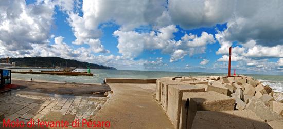 Molo di levante - Pesaro (2573 clic)