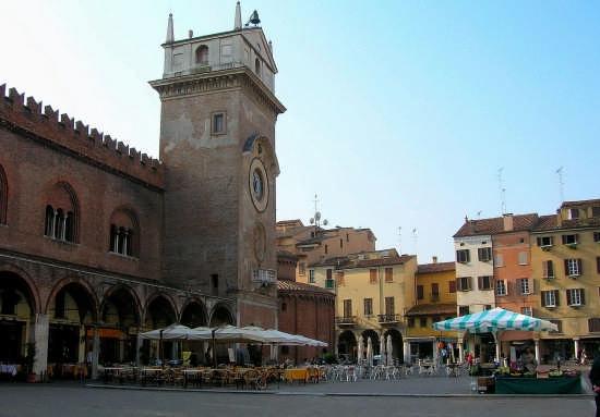 PIAZZA ERBE - Mantova (6011 clic)