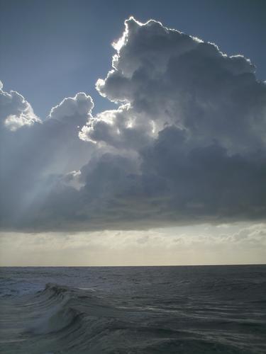 nuvole e...mare.. - Marina di massa (1466 clic)