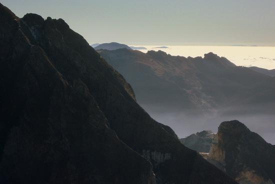 ...da campocecina la Capraia la Gorgona Elba e Corsica | ALPI APUANE | Fotografia di walter mozzoni