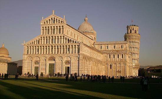 piazza dei miracoli - Pisa (6042 clic)