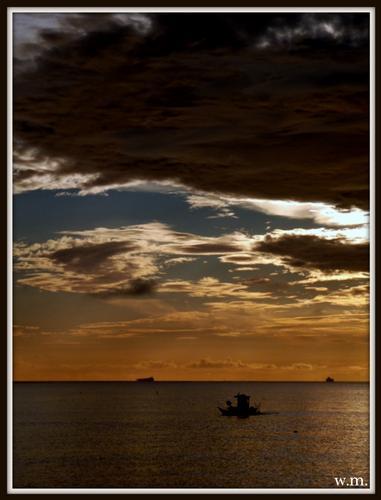 il mare calmo della sera.. - Marina di massa (813 clic)
