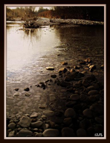 sassi sul fiume 2 - Marina di massa (1113 clic)