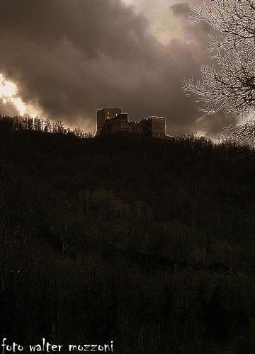 castello della lunigiana.. - Equi terme (1610 clic)