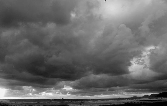 nuvole...nuvole...nuvole... - Marina di massa (1229 clic)