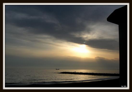 il mare d'autunno.. - Marina di massa (770 clic)