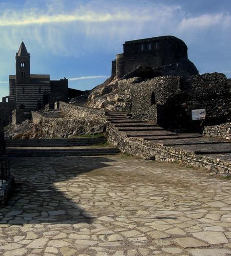 il promontorio tanto caro a lord Bayron - Portovenere (2140 clic)